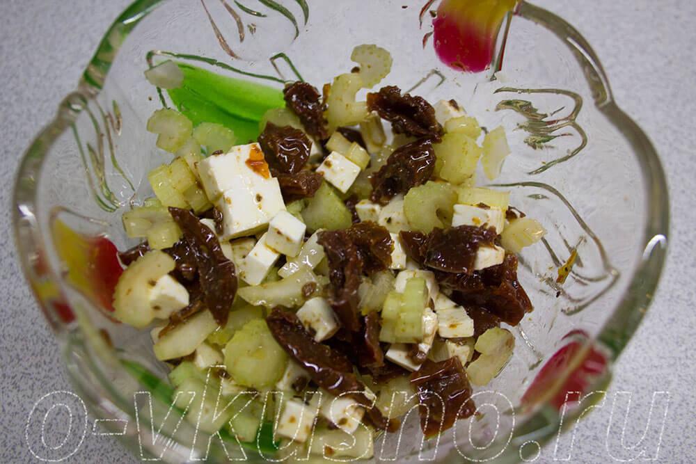 салат из сельдерея с курицей рецепт с фото очень вкусный с