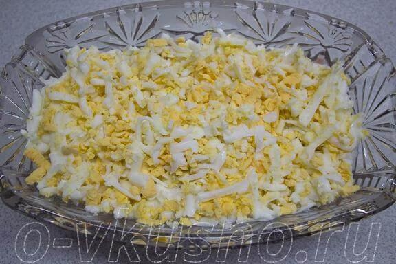 Потом натертые яйца