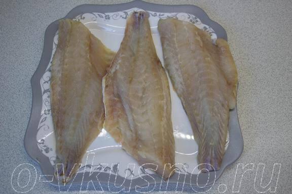 Промываем и сушим рыбу