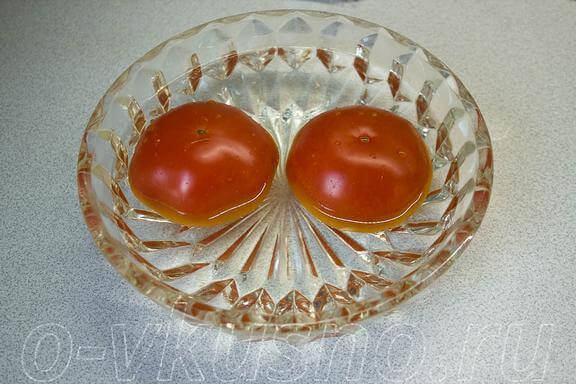 Заливаем помидоры кипятком