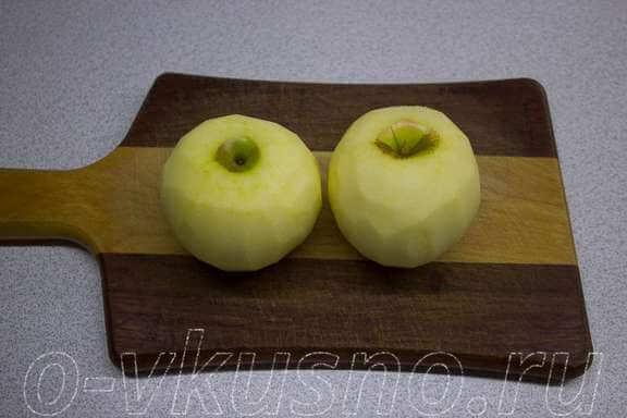 Для второго способа чистим яблоки